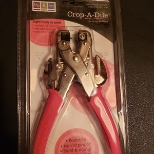 we R memory keeper Office - CROP-A-DILE hole puncher, eyelet & snap setter